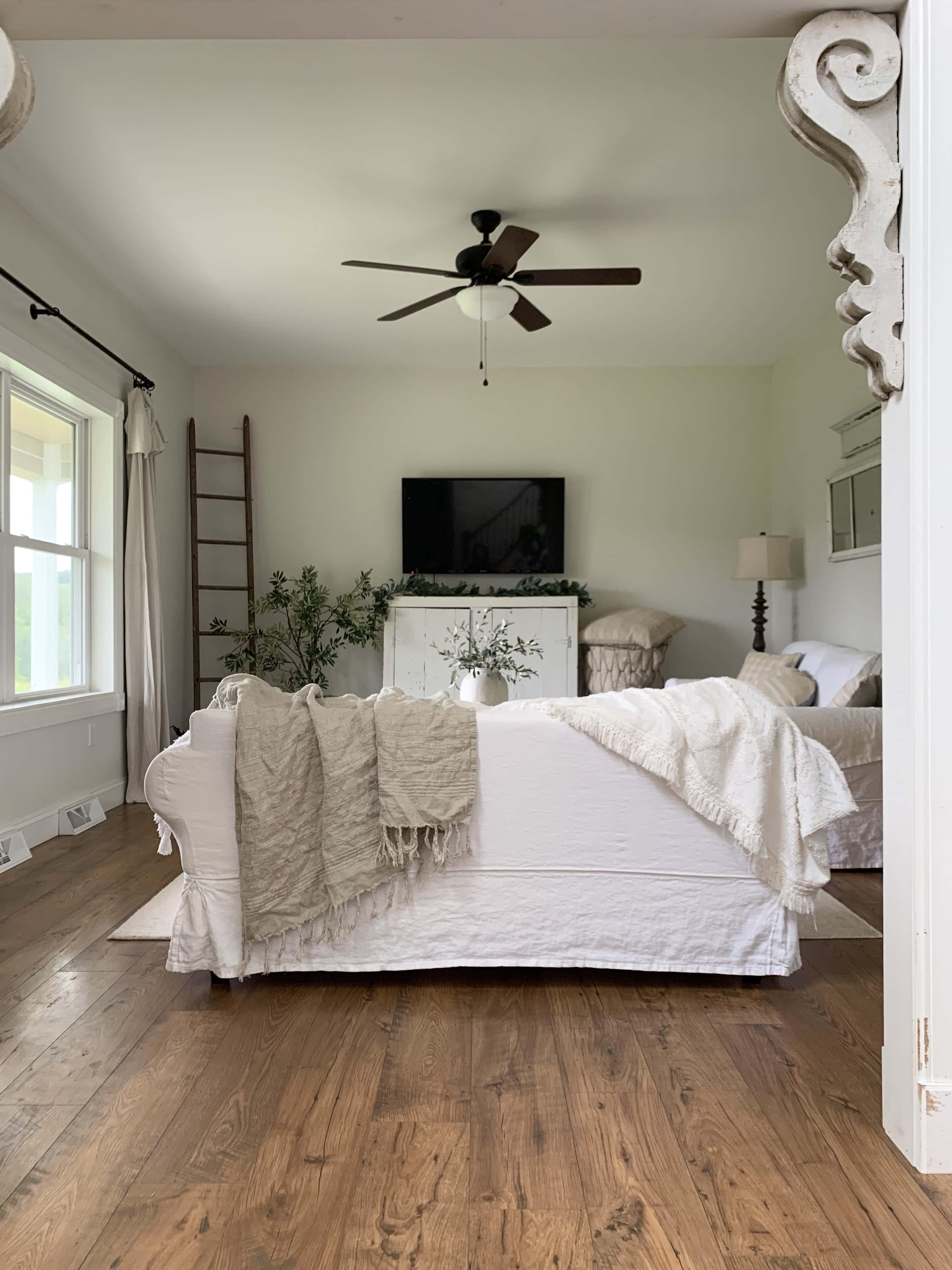 Pergo Flooring Review Faqs Sarah, Pergo Amber Chestnut Laminate Flooring